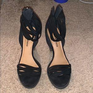 EUC lucky brand black heels